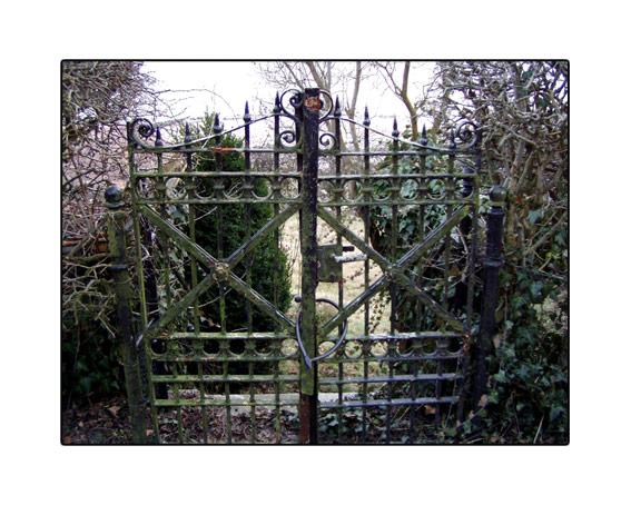 gate01.jpg
